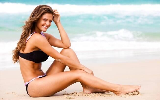 É hora de perder a vergonha, aproveitar a praia e aceitar seu corpo