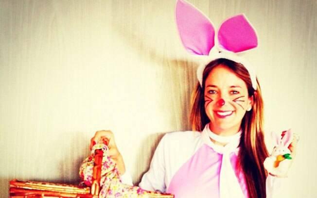 Ticiane Pinheiro se transformou em coelhinha para comemorar a Páscoa com a família