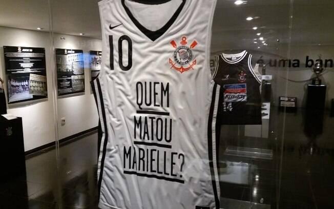 Carlos Roberto Elias se viu envolvido em polêmica por conta de camisa do Corinthians com frase sobre Marielle