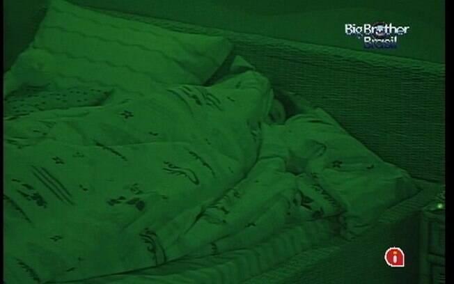 Fabiana adormece pela última vez no Quarto Praia
