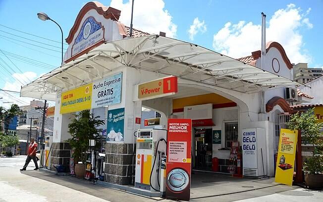 Posto de combustível na Aclimação, em São Paulo, foi construído em 1929, de acordo com o dono