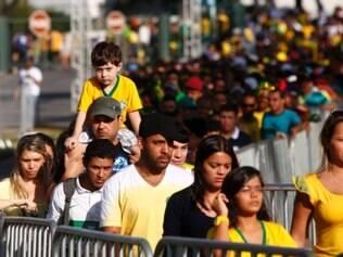 Mais de 21 mil e 600 pessoas estiveram no local, na tarde desta terça-feira (17)