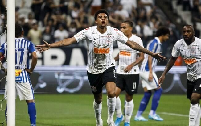 Gustagol marcou o primeiro gol do Corinthians contra o Avaí