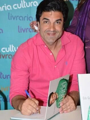 Edu Guedes em noite de autógrafos do livro