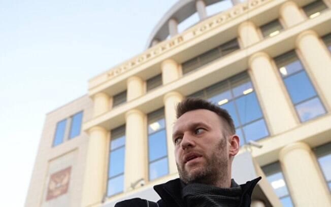 Preso neste domingo, Alexei Navalny é político advogado, ativista e atua na oposição a Vladimir Putin