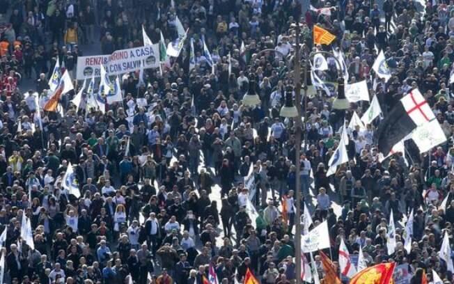 Protesto contra primeiro-ministro Matteo Renzi é esperado para este sábado