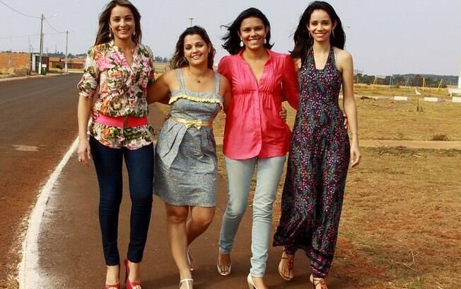 As irmãs biológicas Juliana e Kátia, e, ao lado, as também irmãs Lucilene e Katiane