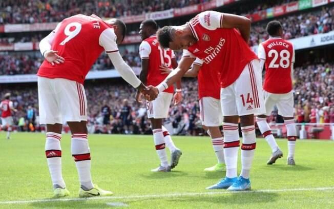 Lacazette e Aubameyang fizeram os gols do Arsenal