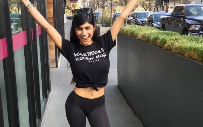 Mia Khalifa já foi atriz pornô e hoje é comentarista esportiva sobre os times de Washington