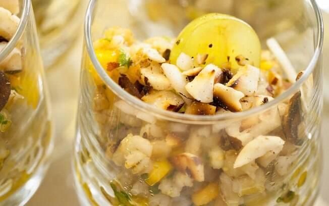 Foto da receita Salada de grão com manga e gengibre pronta.
