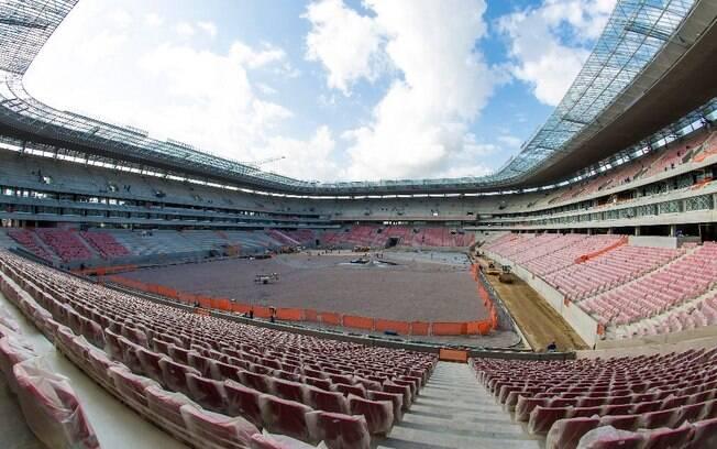 A Arena Pernambuco, em Recife, terá como  primeiro duelo na competição o jogo entre Espanha  x Uruguai