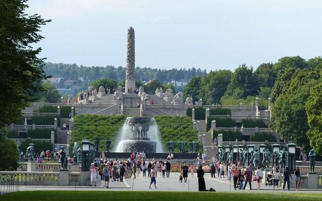O Parque Vigeland é uma das atrações mais famosas de Oslo