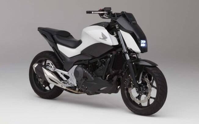 Honda Riding Assist permite que moto se equilibre sozinha parada ou em baixa velocidade. Pode até mesmo seguir o  condutor até a garagem.