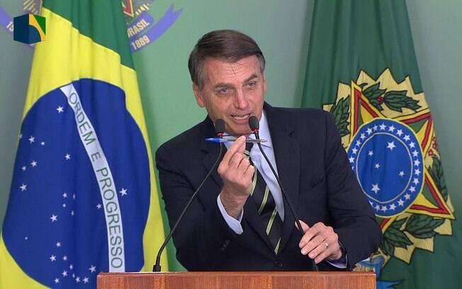 Um dos decretos de Bolsonaro sobre posse de armas deverá libera até quatro armas por pessoa