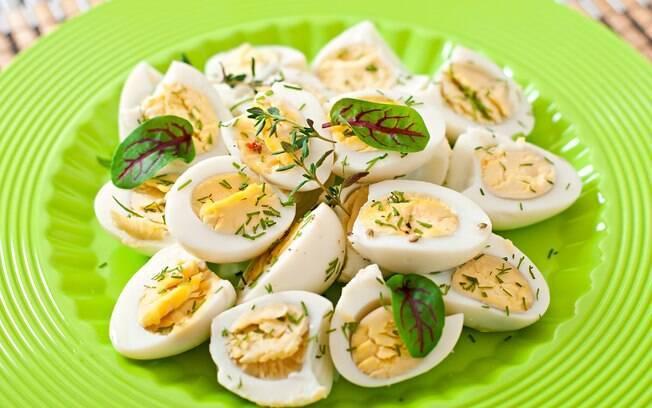 O ovo tem alto valor nutricional, mas deve ser combinado com outros alimentos para equilibrar a dieta