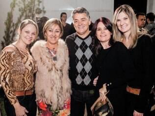 Alegria. Patricia Mota, Silvia Reis, Alvacir Matos, Selma Campos e Antonella Costa