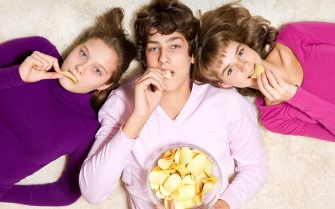 Pesquisa mostrou que quando adolescentes comem lanches proteicos, incorporam mais proteína na dieta diária e consumem menos gordura