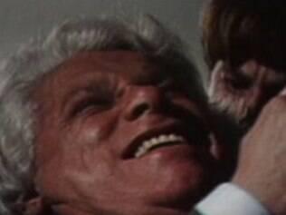A morte de Salomão, com Felipe ao fundo, na versão original de