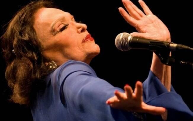 Bibi Ferreira foi uma das primeiras mulheres a dirigir peça de teatro no Brasil