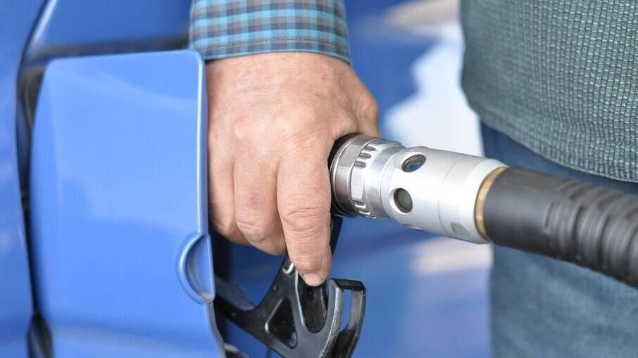 No recorte por estados, o Acre segue com a gasolina mais cara, a R$ 6,416