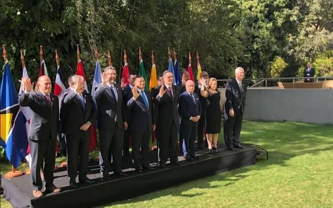 O chanceler Ernesto Araújo participou da reunião do Grupo de Lima em Santiago