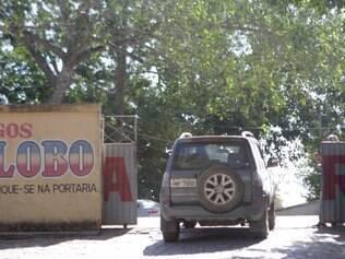 Cidades - Santo Antonio do Monte - MG - EXPLOSAO EM FABRICA DE FOGOS DE ARTIFICIO Quatro mulheres morreram em uma explosao dentro de uma fabrica de fogos de artificiio em Santo Antonio do Monte, na regiao Centro-Oeste de Minas Gerais, na manha desta terca-feira (15). As vitimas eram funcionarias da Fogos Globo. A empresa fica no bairro Bela Vista, em Santo Antonio do Monte MG.Segundo o Corpo de Bombeiros, a explosao aconteceu em um deposito onde ficam os artefatos explosivos. FOTO: FERNANDA CARVALHO / O TEMPO - 15.07.2014
