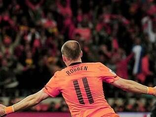 Robben foi o destaque da Holanda no amistoso desta quarta-feira diante do País de Gales