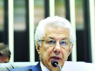 Cotado. Arlindo Chinaglia é o nome mais forte do PT para disputar a presidência da Câmara em 2015