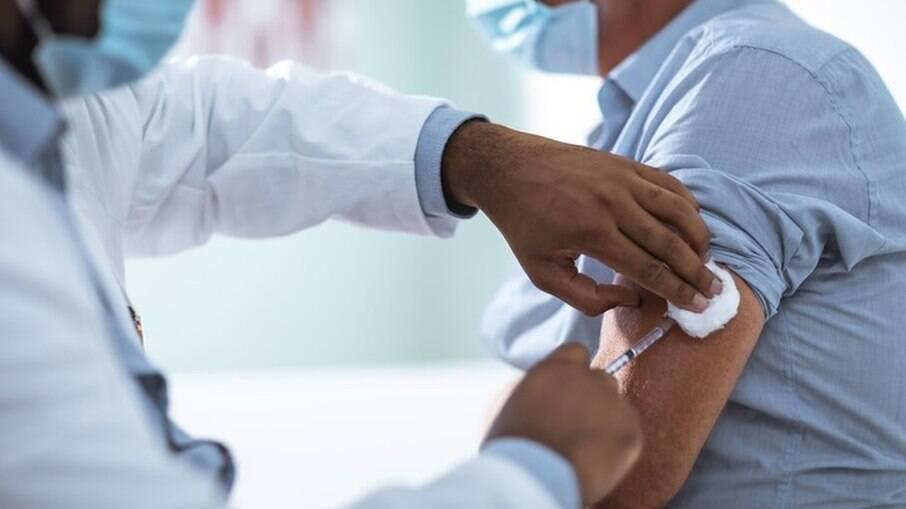 Ministério da Saúde pretende adquirir mais 30 milhões de doses da CoronaVac