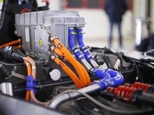 Bateria dos carros elétricos é de 200 kw