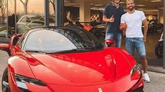 Parceiro de Messi no Barcelona, Aguero compra carro de R$ 3 mi