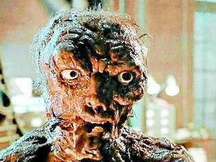 """""""A Mosca"""". Jeff Goldblum começa a se transformar num inseto após um teletransporte mal sucedido"""
