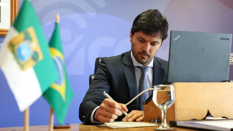 Ministro das Comunicações, Fábio Faria, apela ao Congresso para privatizar os Correios