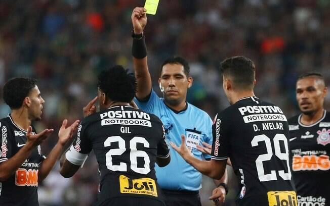 Árbitro Diego Haro estará no VAR durante a final entre Flamengo e River Plate