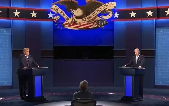 Para evitar que um candidato atrapalhe o outro, emissora resolveu silenciar microfones