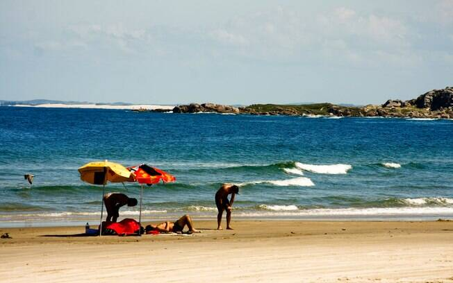 Praias isoladas e boas para surfe em Farol de Santa Marta