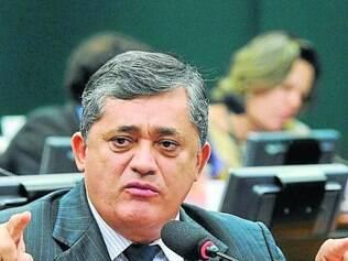 José Guimarães defende base menor, mas fiel ao governo na Casa
