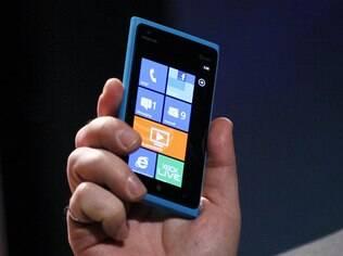 Lumia 900 é um dos produtos da parceria Microsoft e Nokia