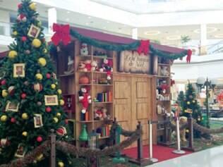 Cenário para shows do Papai Noel já está quase pronto