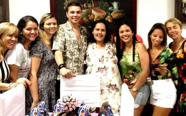 Em sua primeira apresentação, Netinho recebeu o carinho de fãs de vários lugares do Brasil