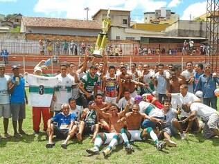 Santa Helena. Após ser vice no ano passado, alviverde derrotou o Camarões por 1 a 0 e levantou a taça