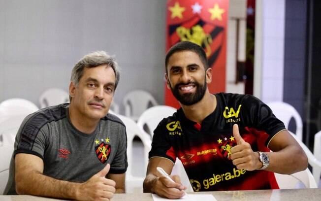 Tréllez assinou por empréstimo com o Sport