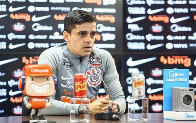 Fagner revela choro de esposa e filho após Corinthians voltar a vencer