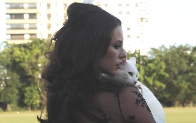 Paola Oliveira e Marlon Brando: