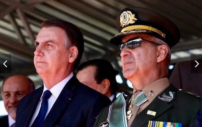 Presidente Jair Bolsonaro ao lado do General Ramos, novo ministro da Secretaria de Governo