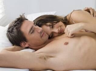 O sexo é uma prática íntima, portanto não há problema em ser carinhoso e gentil
