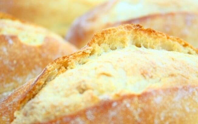 Pão francês geralmente é rico em sódio