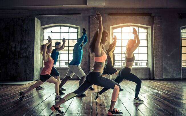 A mulher do cantor Belo, Gracyanne Barbosa, recomenda as aulas de dança para quem não curte levantamento de peso