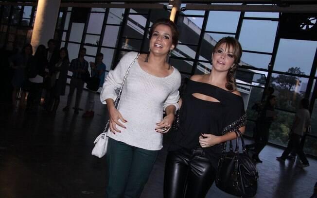 Samara Felippo e a amiga Nívea Stelmann