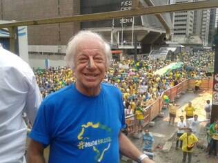 Juca Chaves, compositor, músico e humorista brasileiro, também participou dos protestos